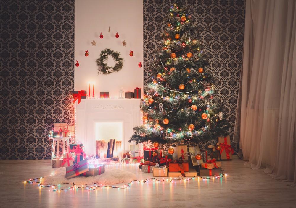 Украшение окон новогодними гирляндами