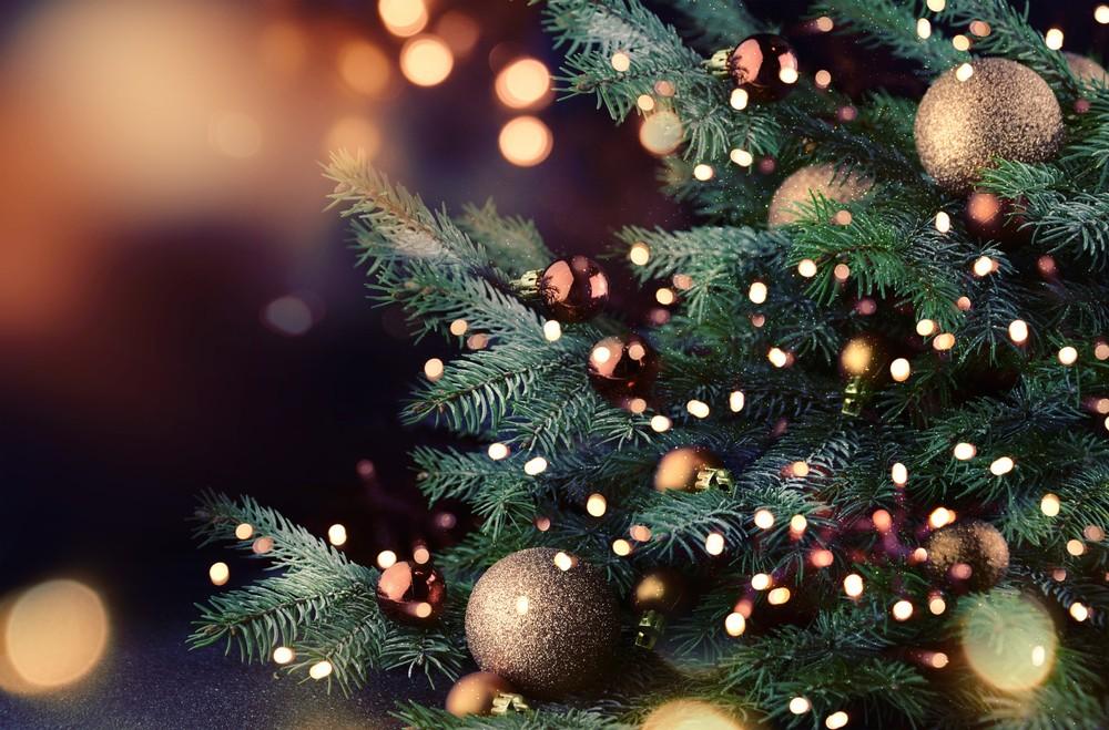 Украшние елки на новый год 2018 по цветам