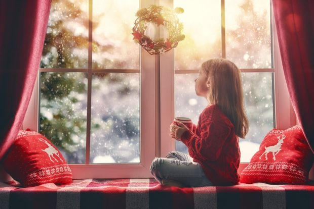 Украшение окна на новый год 2019