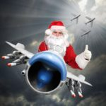 Новогодние обои на рабочий стол - дед мороз на самолете