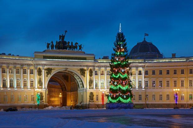 Дворцовая площадь на новый год 2019