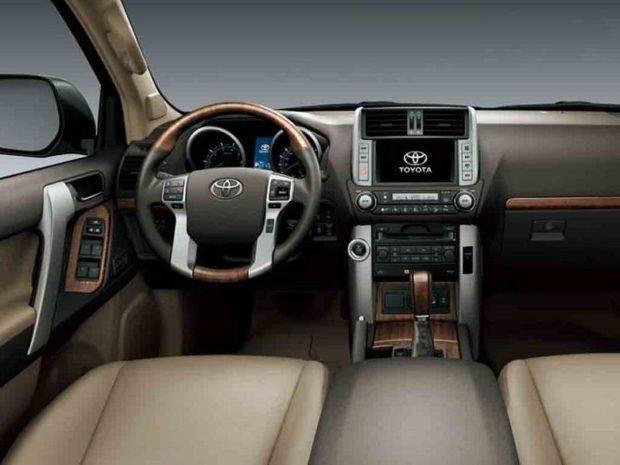 Дизайн интерьера Toyota Land Cruiser Prado