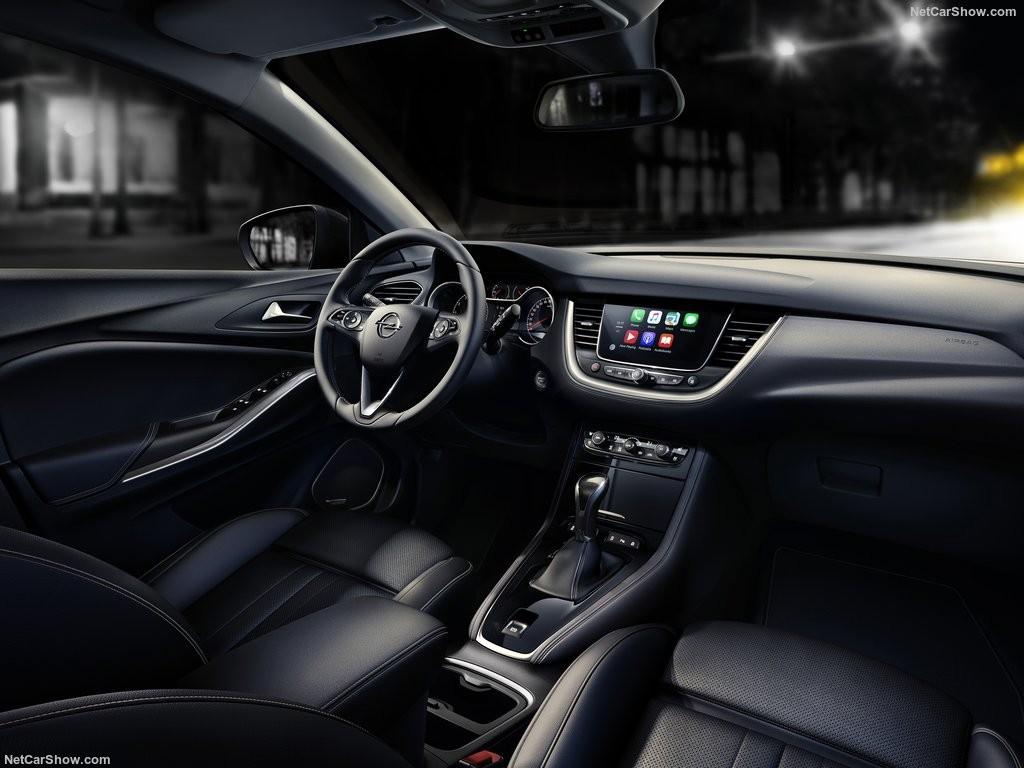 Дизайн интерьера Opel Grandland X 2018 года