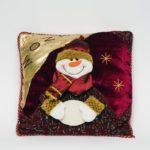 Декоративная новогодняя подушка со снеговиком