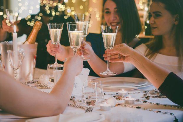 Праздничный стол на новый 2018 год