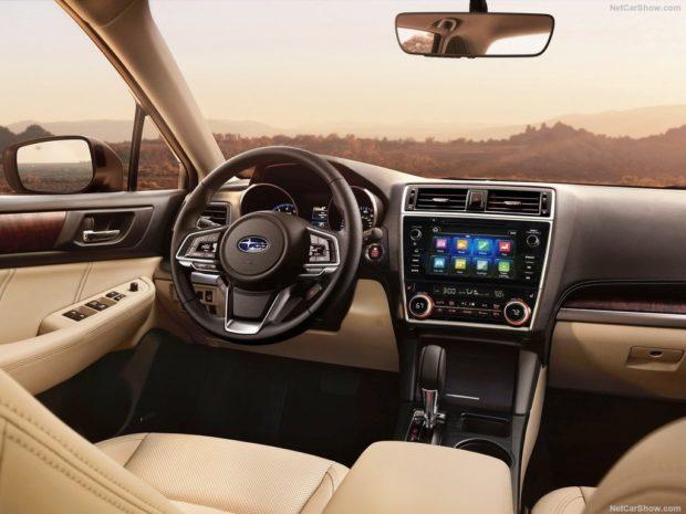 Subaru Outback 2018 года приборная панель