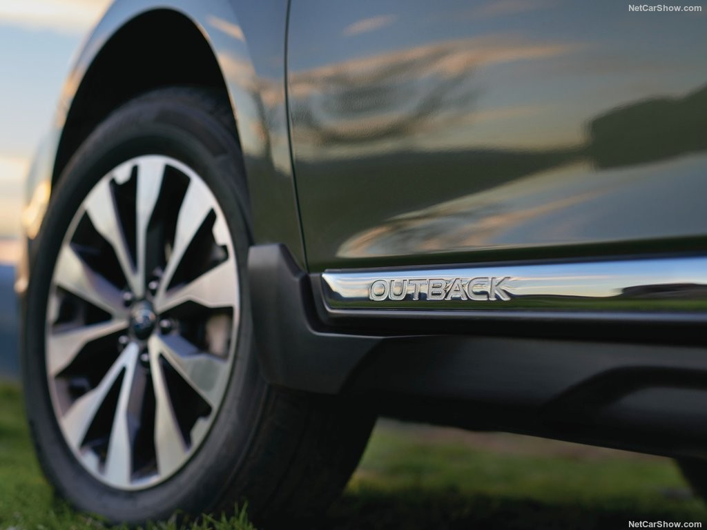 Subaru Outback 2018 года