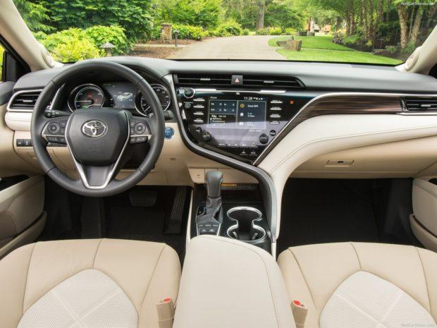 Toyota Camry 2018 года