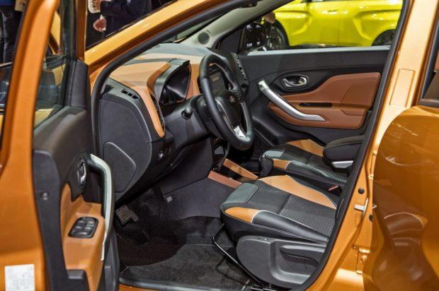Интерьер новой Lada XRAY Cross