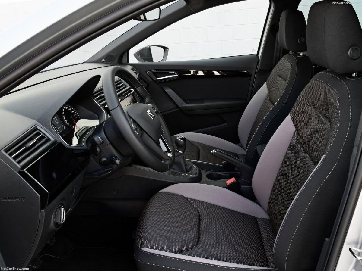 Дизайн интерьера SEAT Ibiza 2018 модельного года