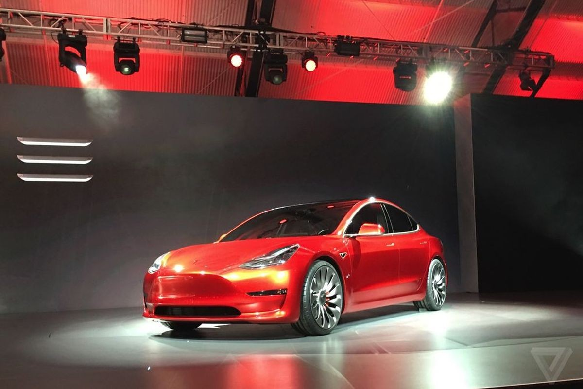 Tesla Model 3 2018 года: новый бюджетный электрокар