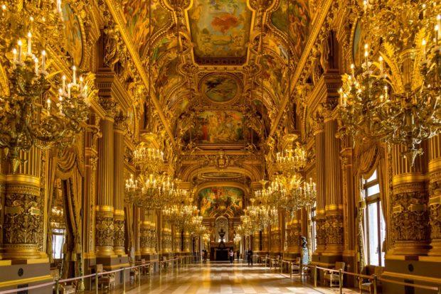 Интерьер парижской оперы Гарнье в стиле Барроко
