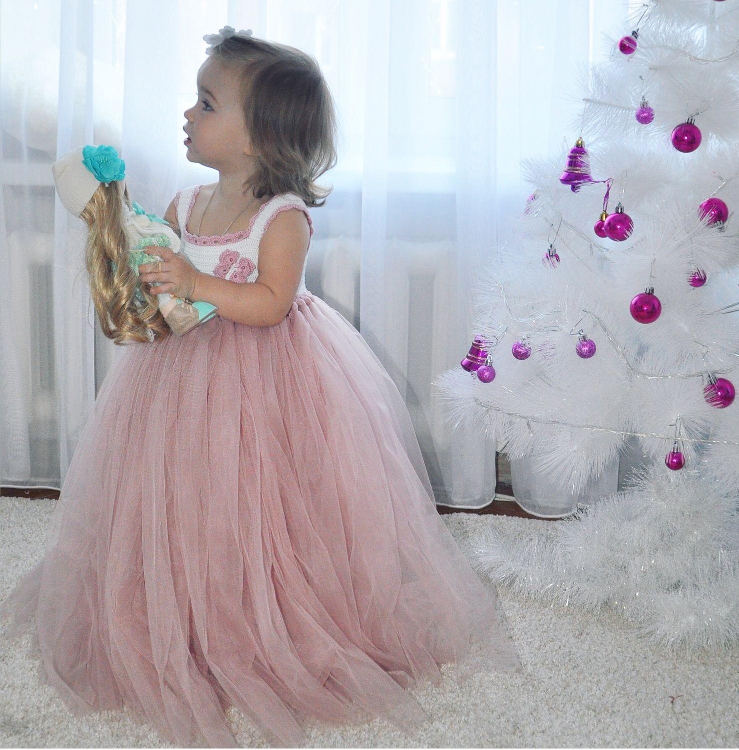красивые новогодние платья для девочек 2018: юбка с фатина бледно розовая
