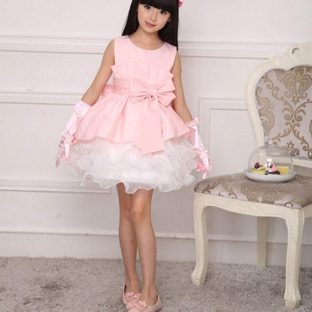 красивые новогодние платья для девочек 2018: платье принцессы розовое с белым
