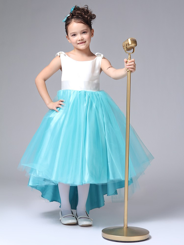 красивые новогодние платья для девочек 2018: юбка из голубого фатина топ белый
