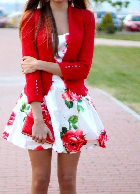 модная осень 2019-2020 платье в розы короткое белое