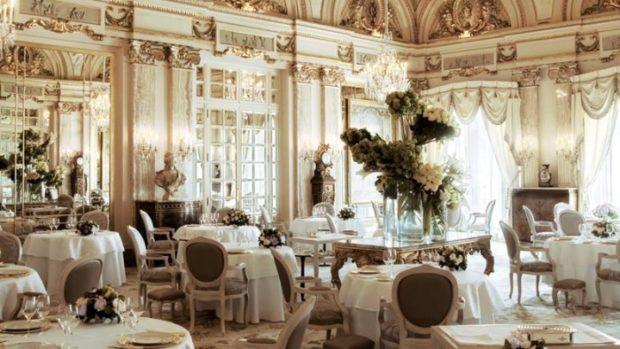 модные свадьбы 2018 стиль барокко светлый зал