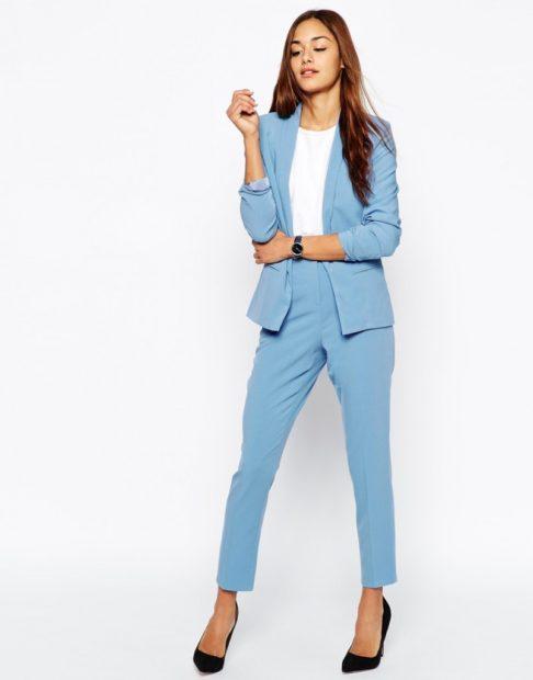 модные луки весна 2019 костюм брючный голубой
