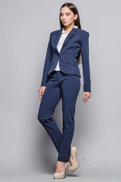 модные луки весна 2019 костюм синий с брюками