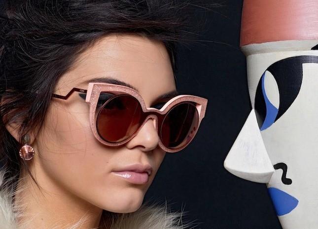 модные очки от солнца 2018: форма лисичка экстравагантная круглая