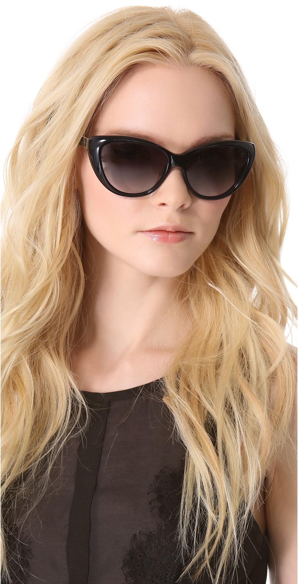 модные очки от солнца 2018: форма лисичка черная