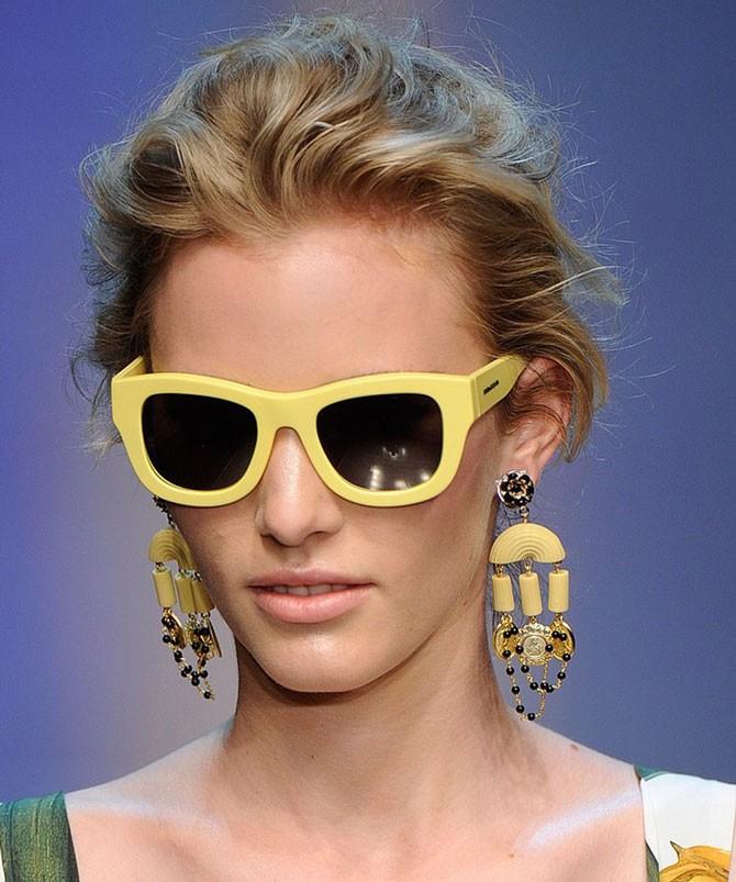 модные очки от солнца 2018: оправа желтая