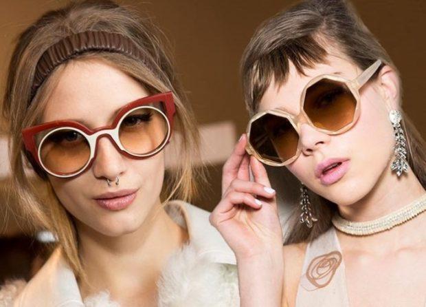 модные очки от солнца 2018: очки полупрозрачные коричневые