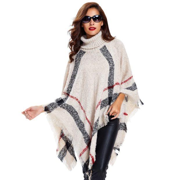 модные женские кардиганы 2019-2020: пончо белое с полосками