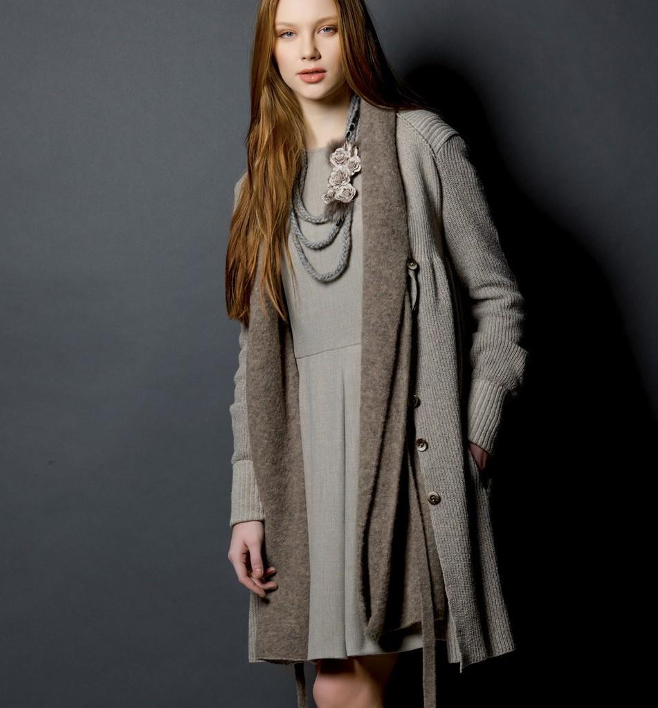 модные женские кардиганы 2019-2020: серый как платье