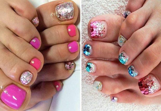модный педикюр 2019-2020: ногти с глиттером розовые синие