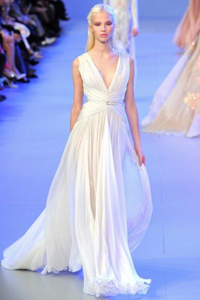 свадебная коллекция Elie Saab 2018 с декольте белое в пол