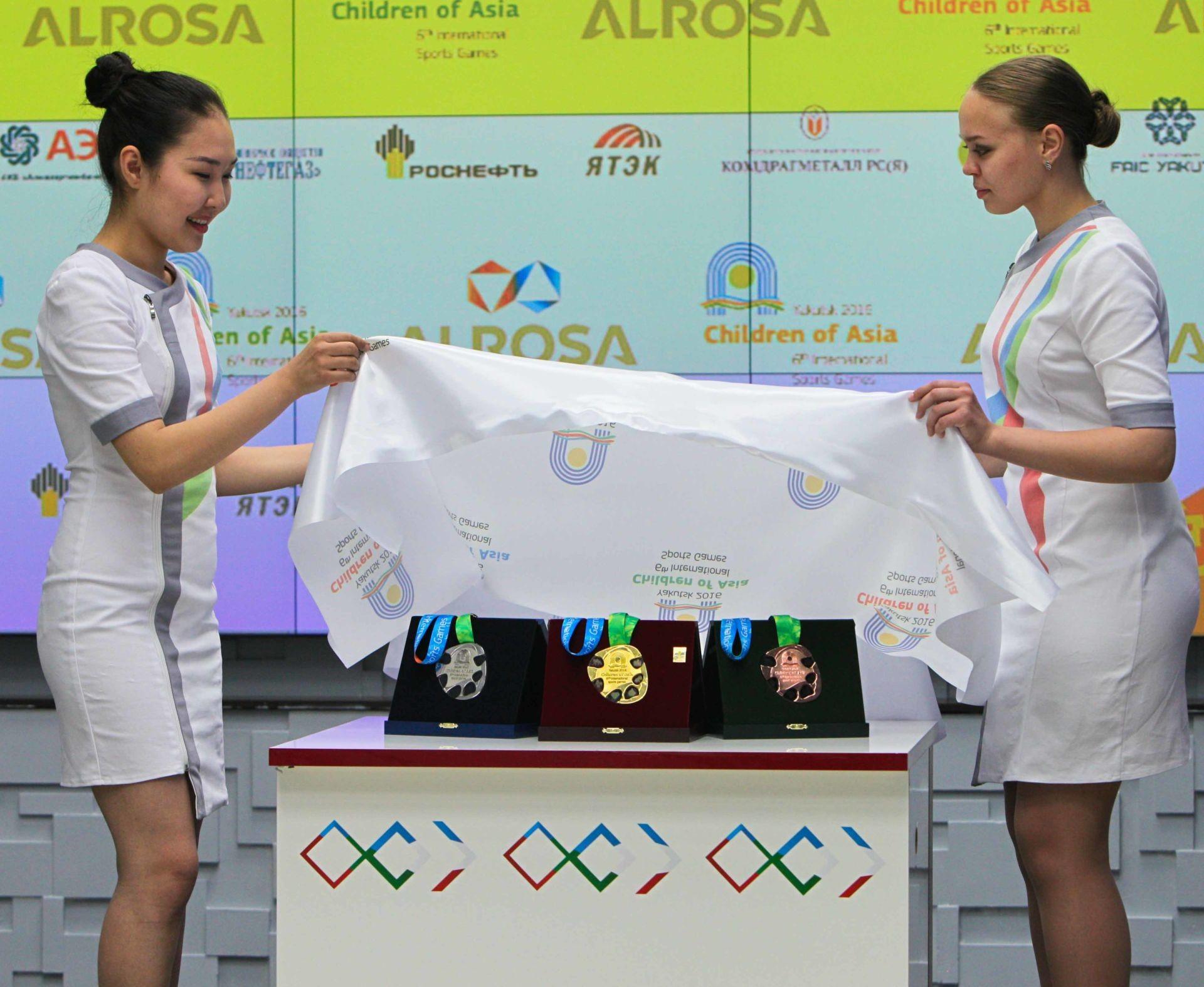 Смотри! Дети Азии в 2019 году: международные соревнования, обзор изоражения