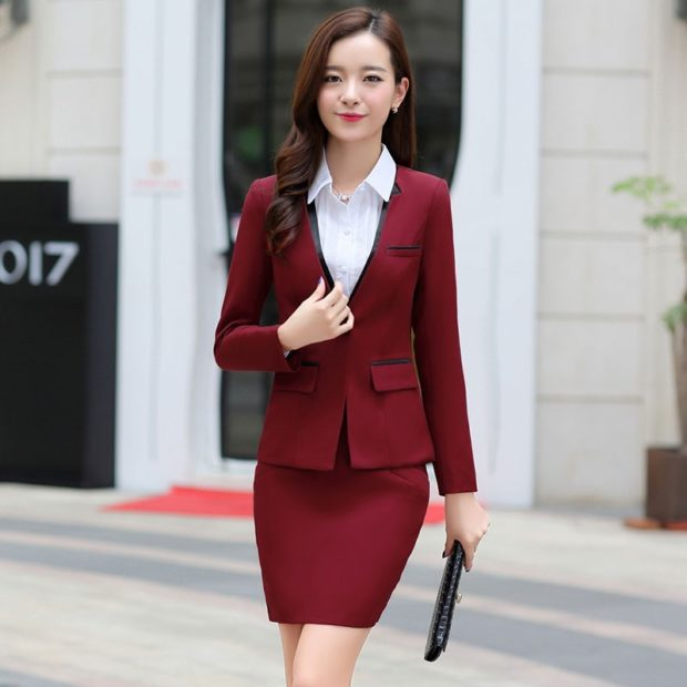 модная одежда 2019-2020: костюм юбка пиджак бордо