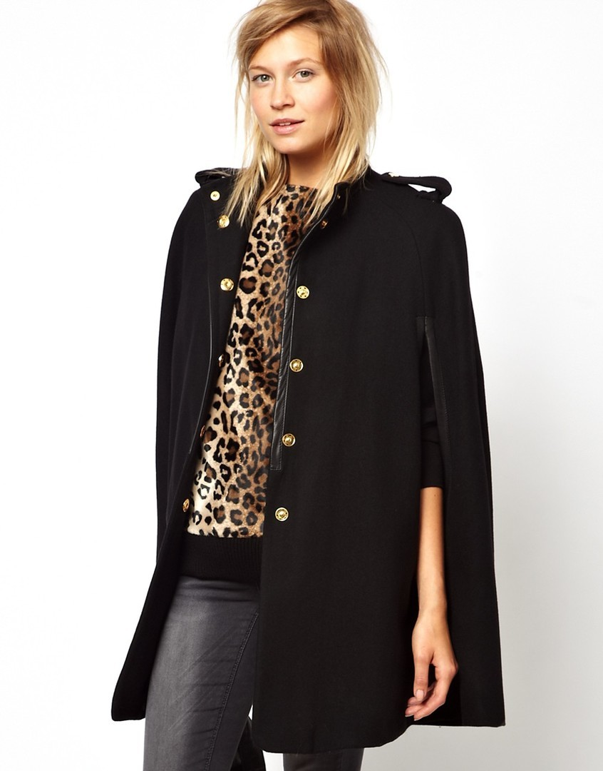 модная одежда 2019-2020: пальто открытый рукав черное