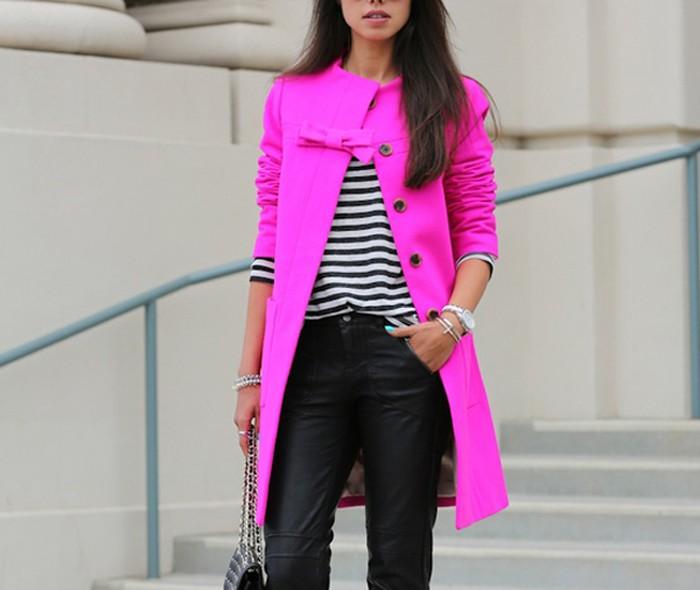 модная верхняя одежда: пальто яркое розовое