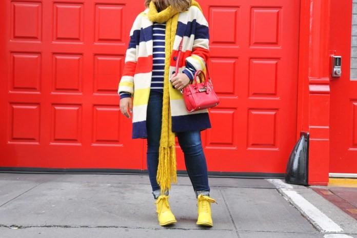 модная верхняя одежда: пальто полосатое цветное