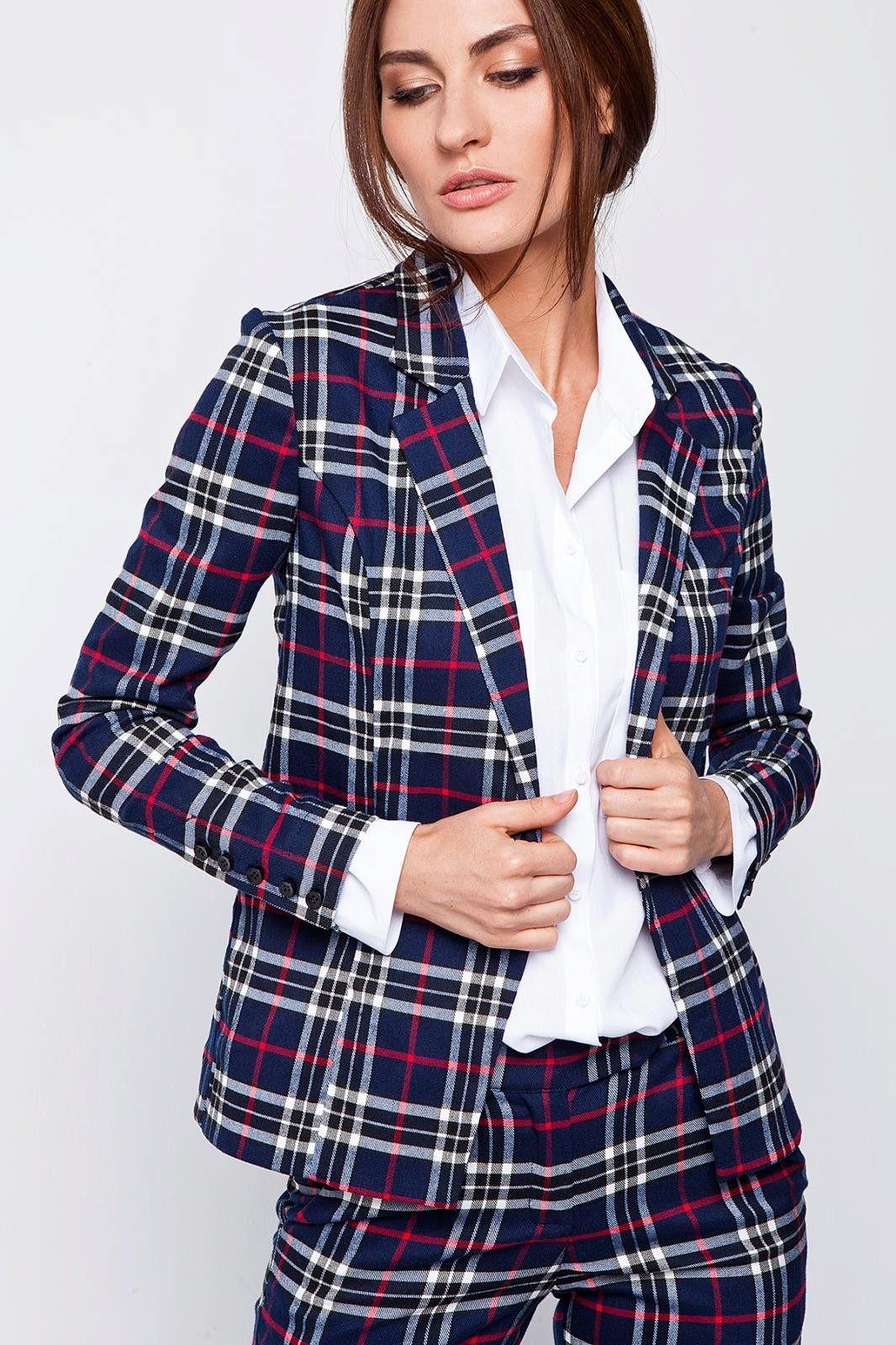 модная весна 2019: костюм синяя с белым клетка