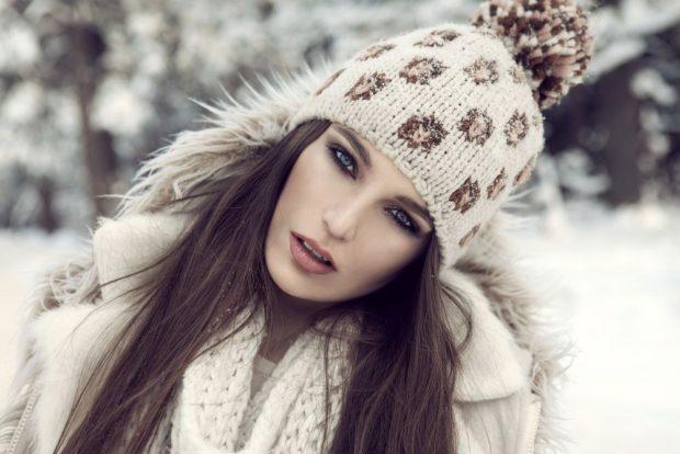 модная зима 2019-2020: макияж темные глаза коричневые губы