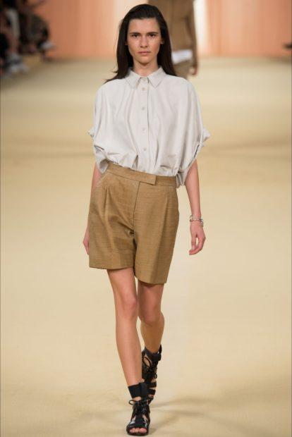 модные кофты 2019-2020: блузка мужской стиль под шорты