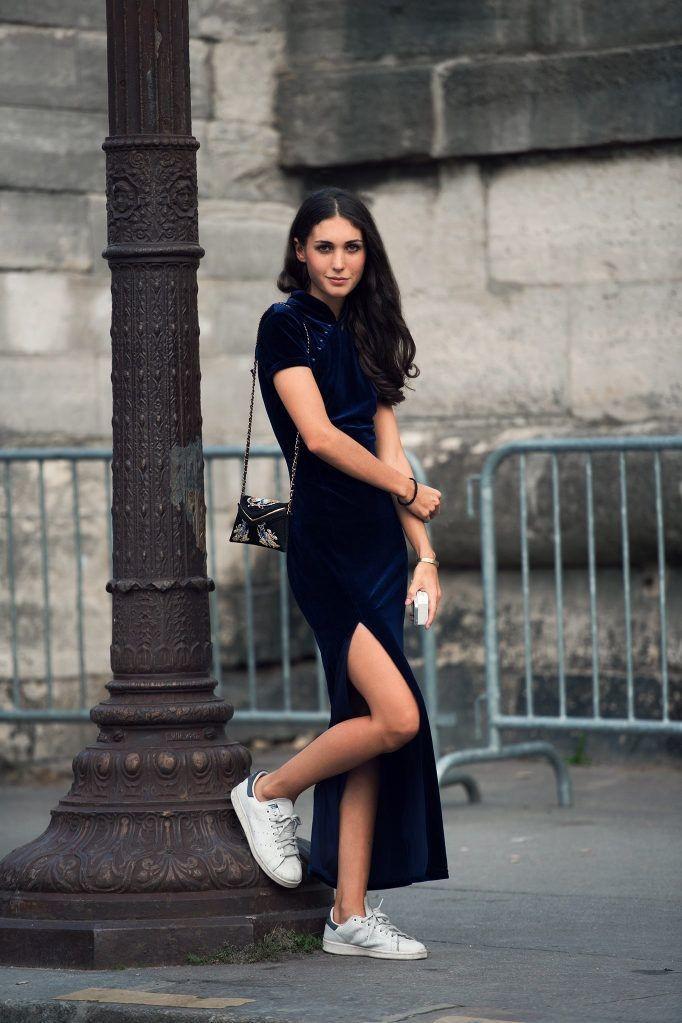 модные цвета лето 2019: темно-синее платье в пол