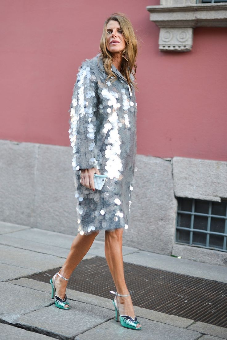 модные цвета осень 2019: пальто в паетки серебро