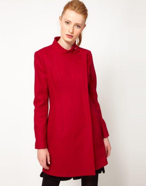 модные цвета осень 2019: пальто красное воротник стойка