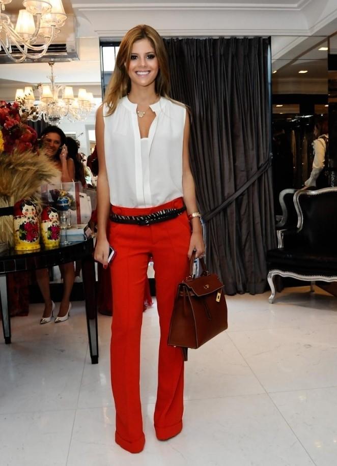 модные цвета осень 2019: красные брюки