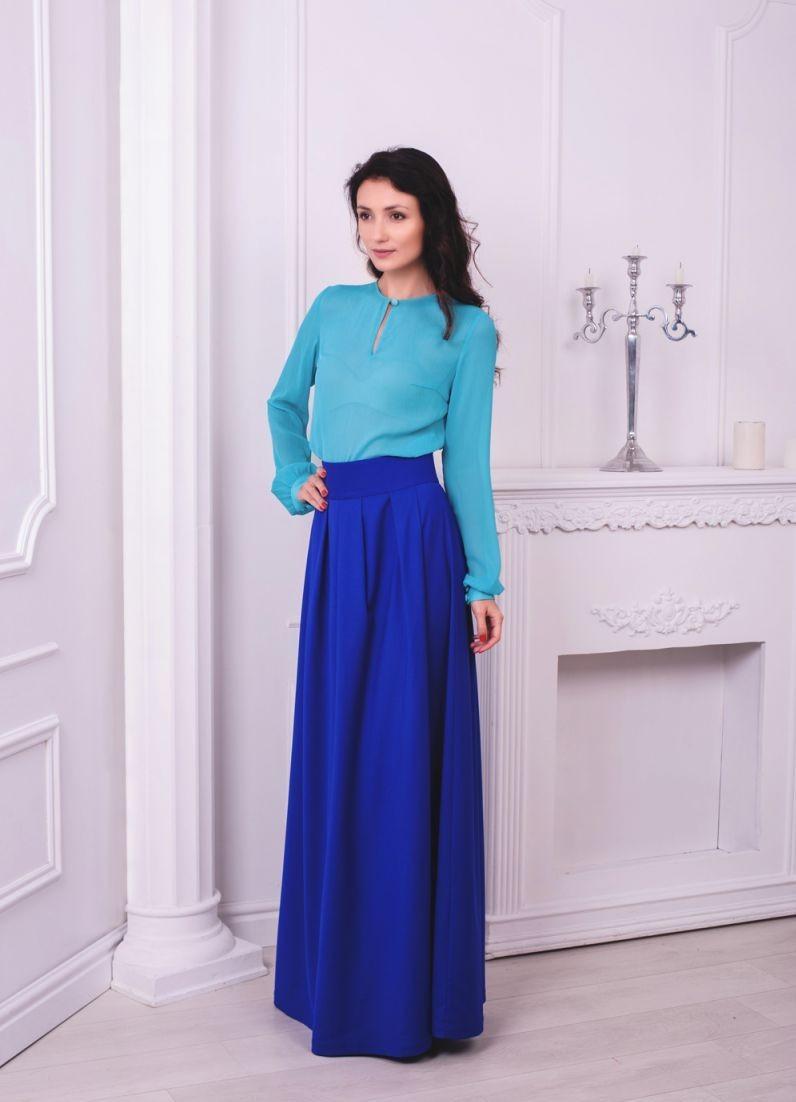 модные цвета 2018: синий тренд юбка блузка