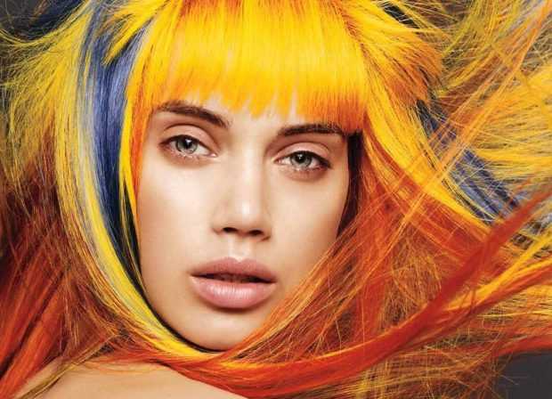 Модные цвета волос в 2018 году: волосы оранжевые с голубыми прядями