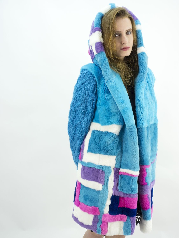 модные женские шубы 2019-2020: шуба голубая с фиолетовым