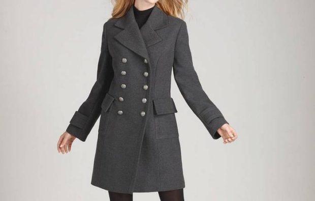модные женские шубы 2019-2020: пальто- шинель серое