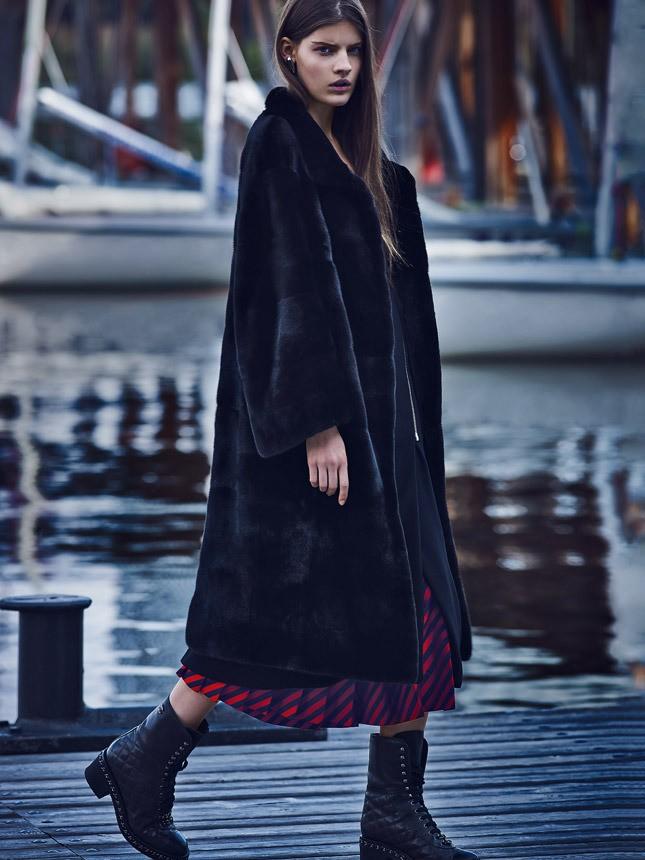 модные женские шубы 2019-2020: черная длинная шуба классика