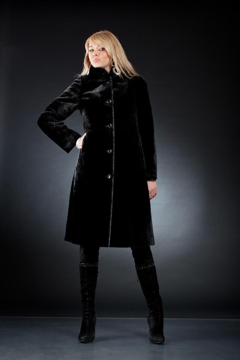 модные женские шубы 2019-2020: шуба миди черная