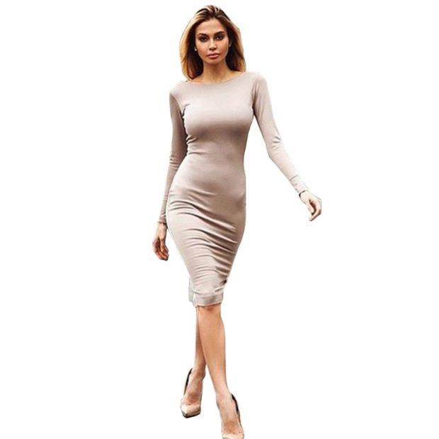 Модные женские платья Осень-2018: платье длинное узкое светлое рукав длинный